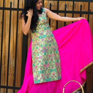 Banarsi Sleeveless kurta with Pink Cotton Skirt